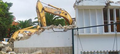 Demolição de Habitação no Restelo<br><br>