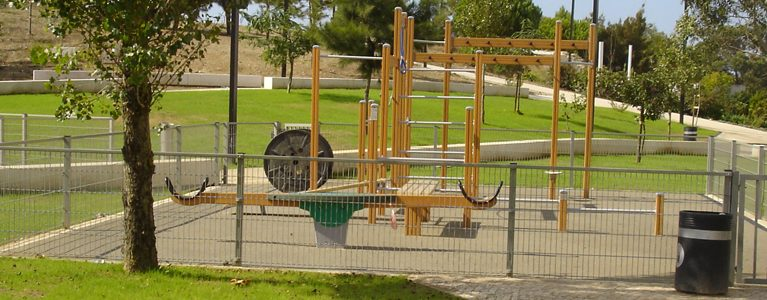 Parques Infantis e Áreas Adjacentes – Bairro de Ouressa, Algueirão 1