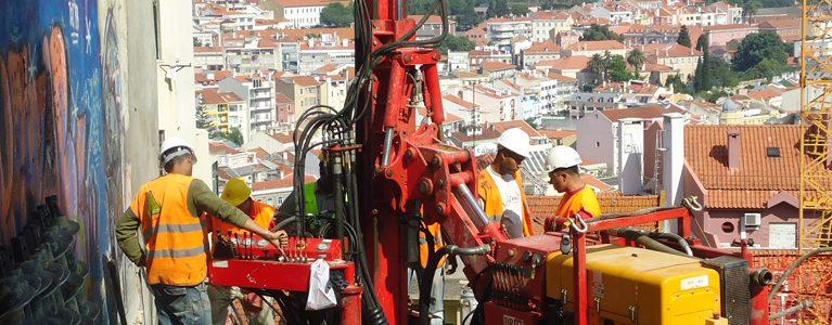 Estabilizacão da Escarpa de Vila Martins 1